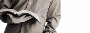 bible-reading-guy-912x340